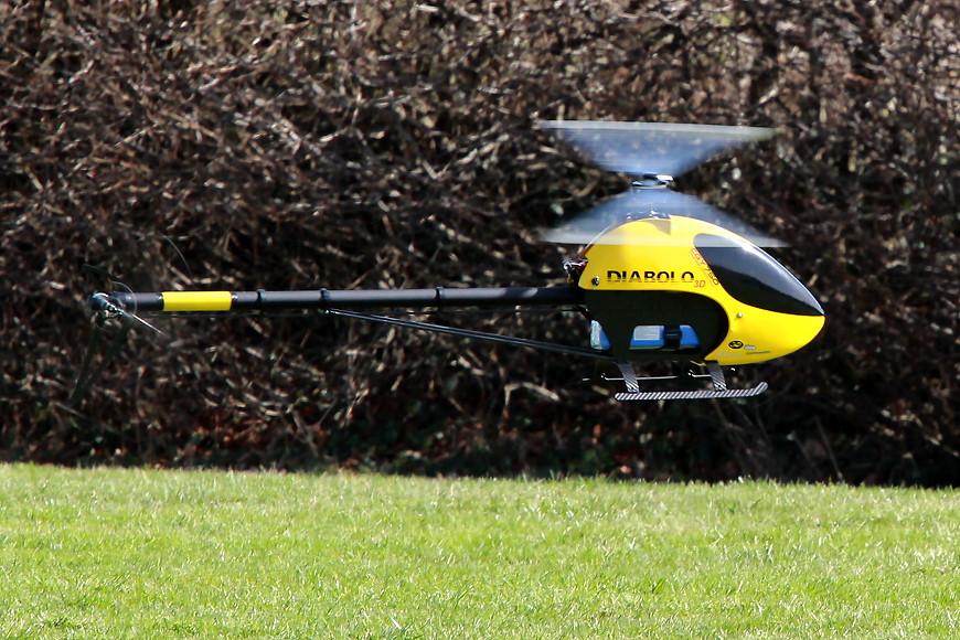 ROTOR live 2017: Minicopter Diabolo 700 Black Edition mit neuer 3D-Haube