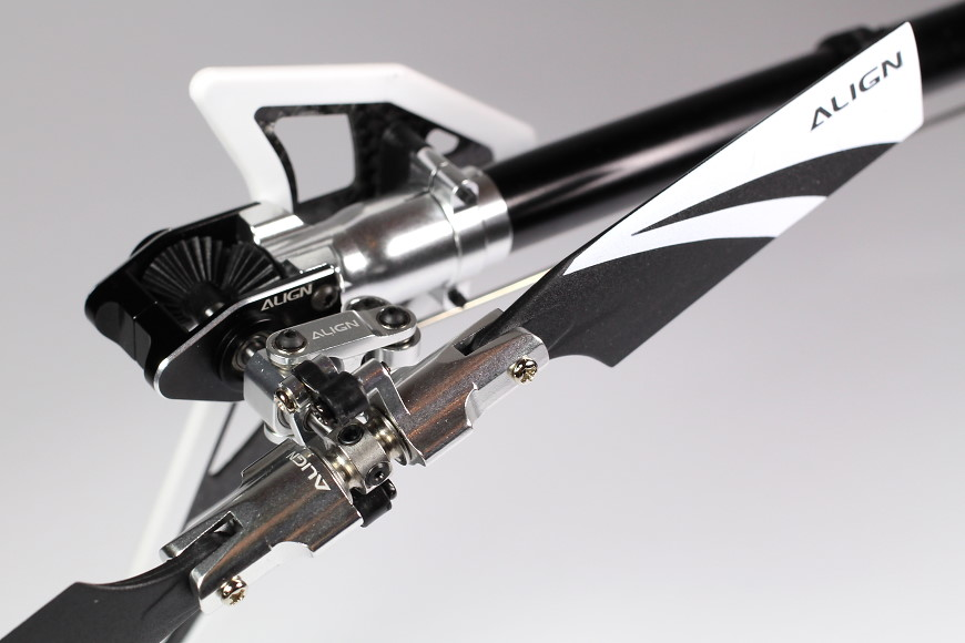 Die äußerst spielarme Heckrotoreinheit des Align T-Rex 450L Dominator