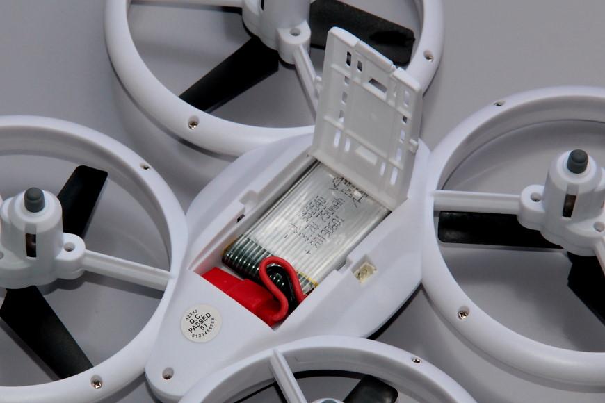 Avialogic Q9 Drone mit LED Beleuchtung (blau & grün) - Akkufach auf der Unterseite