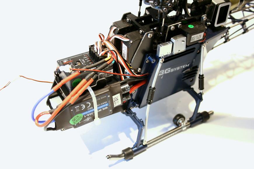 06-Walkera-4F200LM-Mechanik-ohne-Haube.JPG